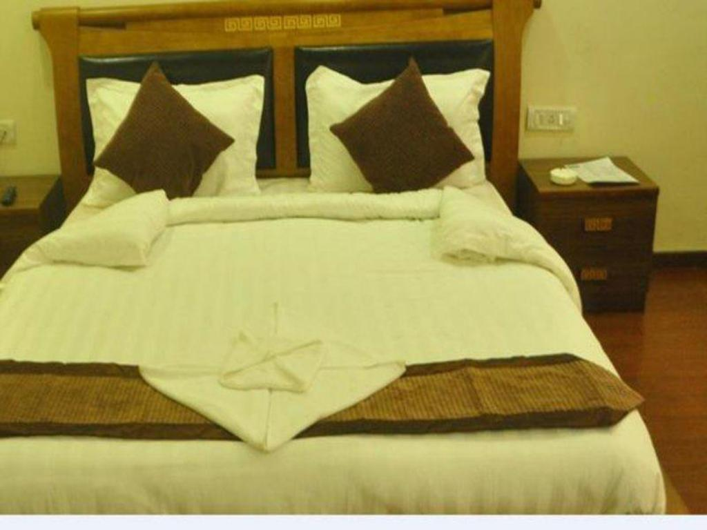 Standerd Room  Butola Guest House