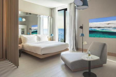 Deluxe  Nikki Beach Resort & Spa Bodrum