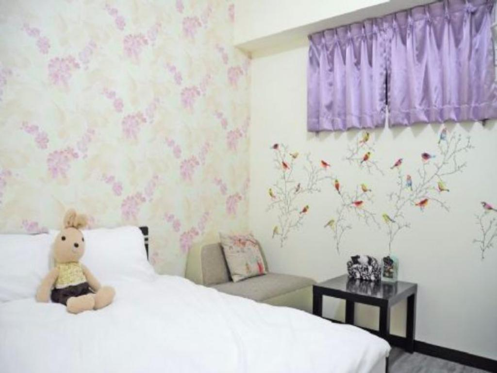 Simple Double Room Taichung Prague Hostel