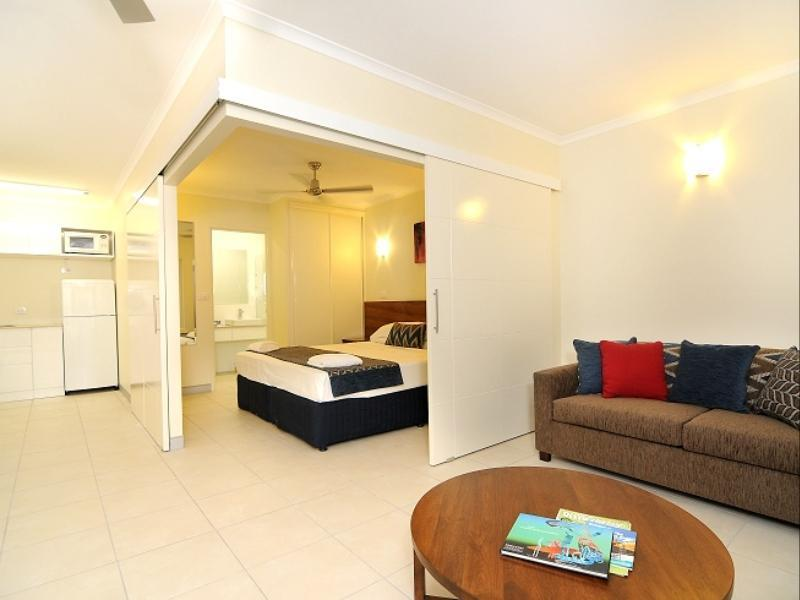 Cairns Queenslander Hotel And Apartments Reviews