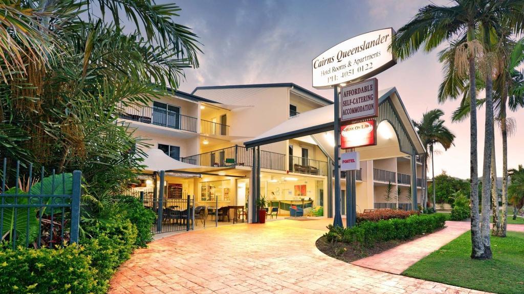 Cairns Queenslander Hotel & Apartments in Australia - Room ...