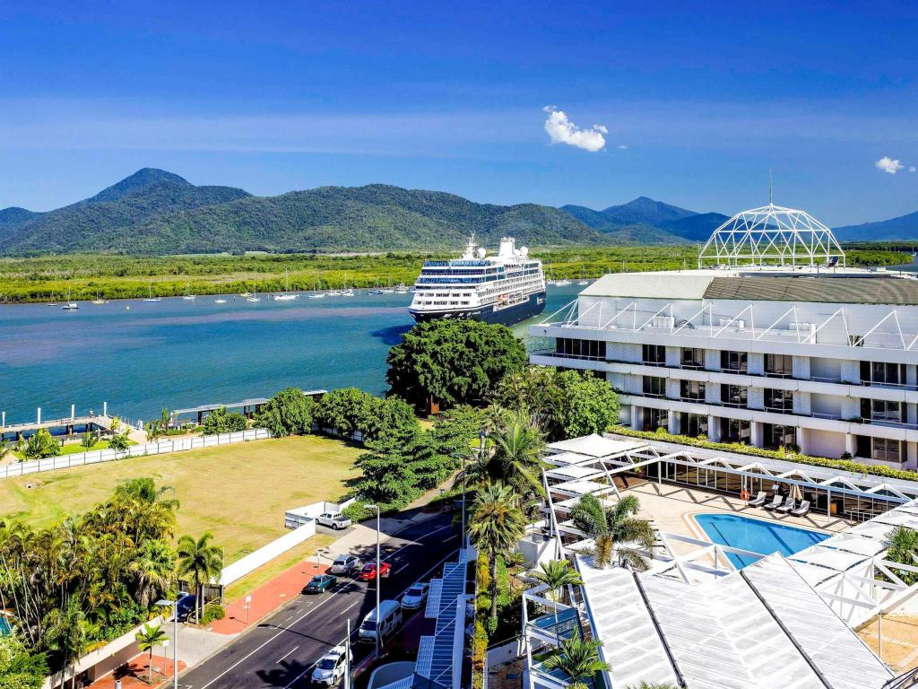 More about Pullman Reef Cairns Hotel Casino