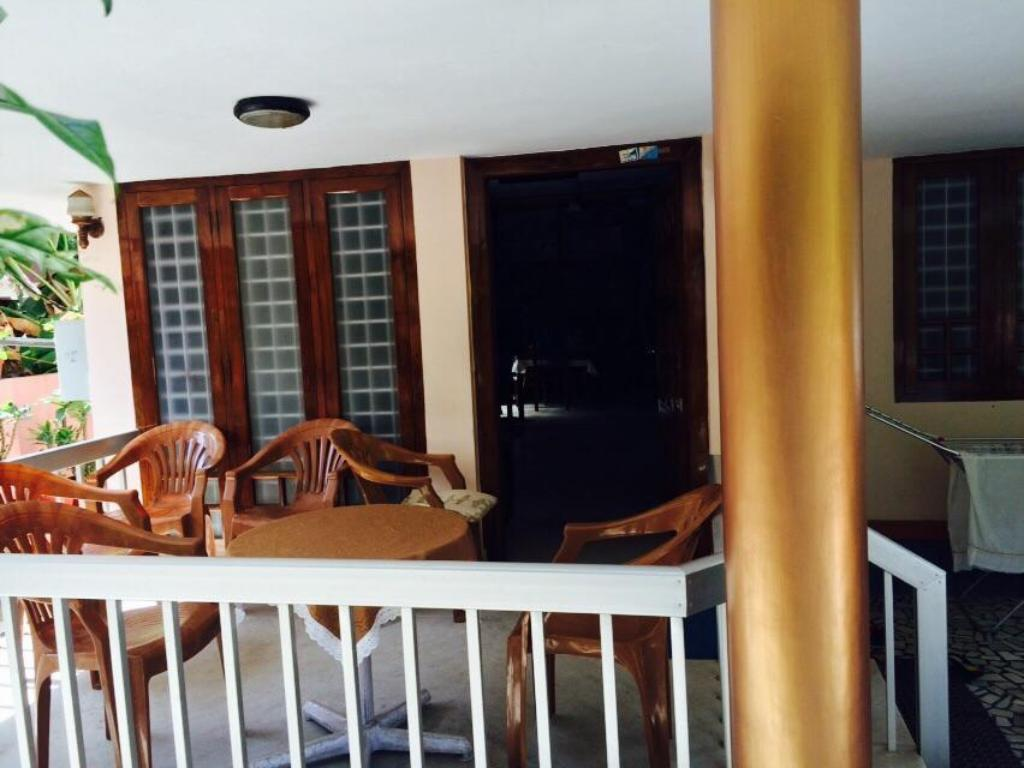 Foyer Thoms Beach Homestay