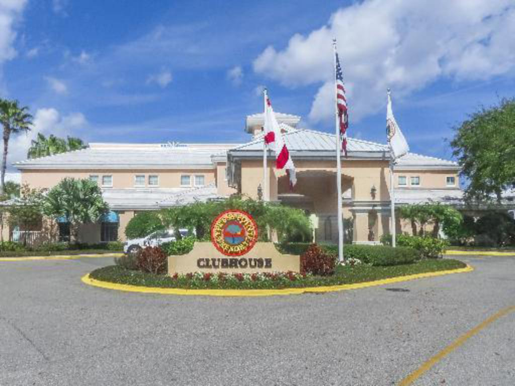 Cypress Pointe Resort By Diamond Resorts
