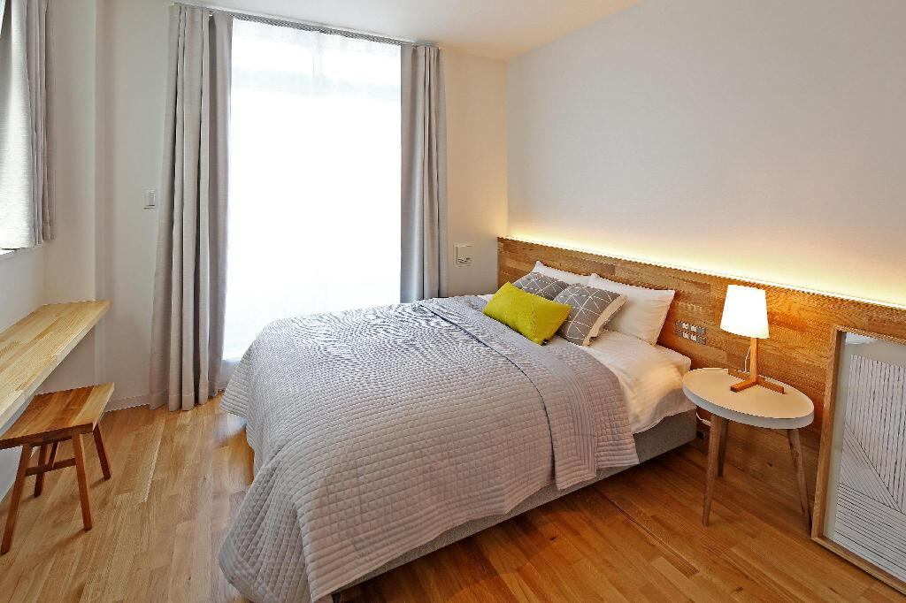 Double Private Room En-suite - Bed