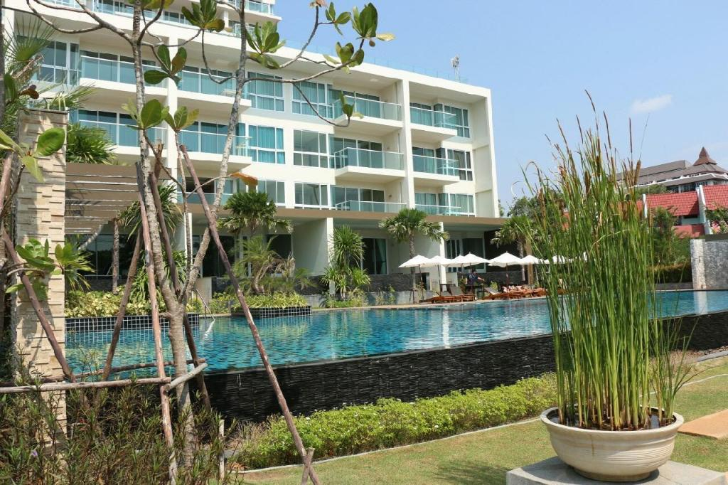 basen odkryty EveRyDaY BEACHFRONT STYLISH  LUXURY* JOMTIEN