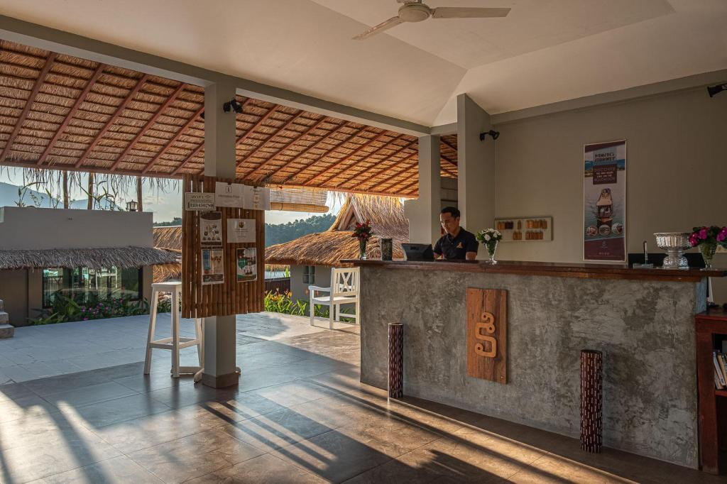 Lobby Sanctuary Nam Ngum Beach Resort
