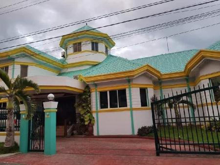 4 Bedroom Home - Exterior view Amax Guest House
