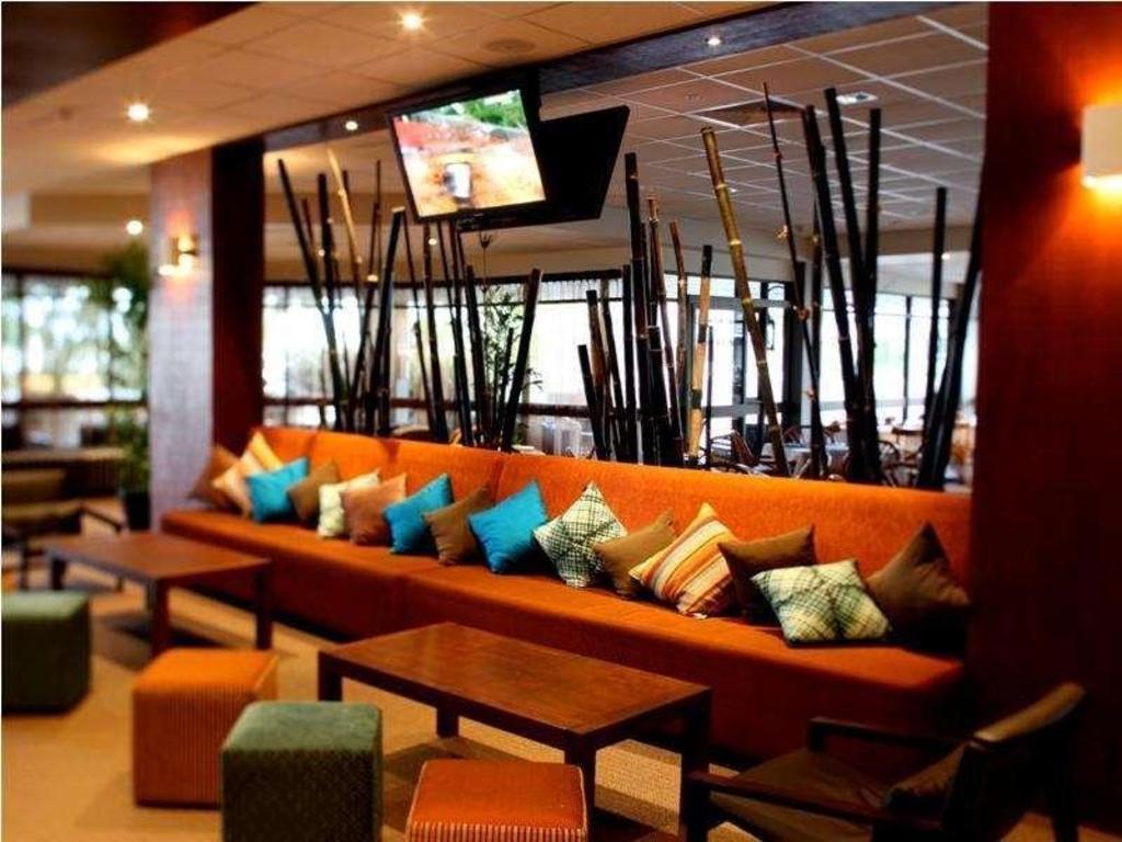 best price on rydges plaza hotel cairns australia. Black Bedroom Furniture Sets. Home Design Ideas