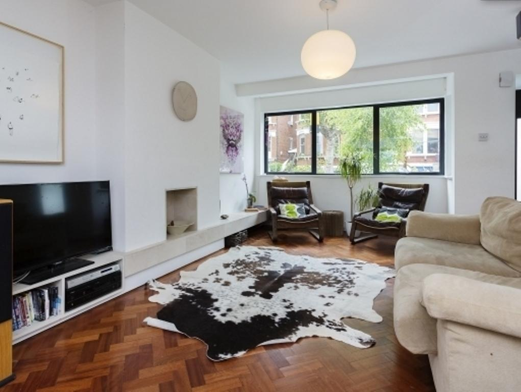Veeve - Three Bedroom House on Mount View Road