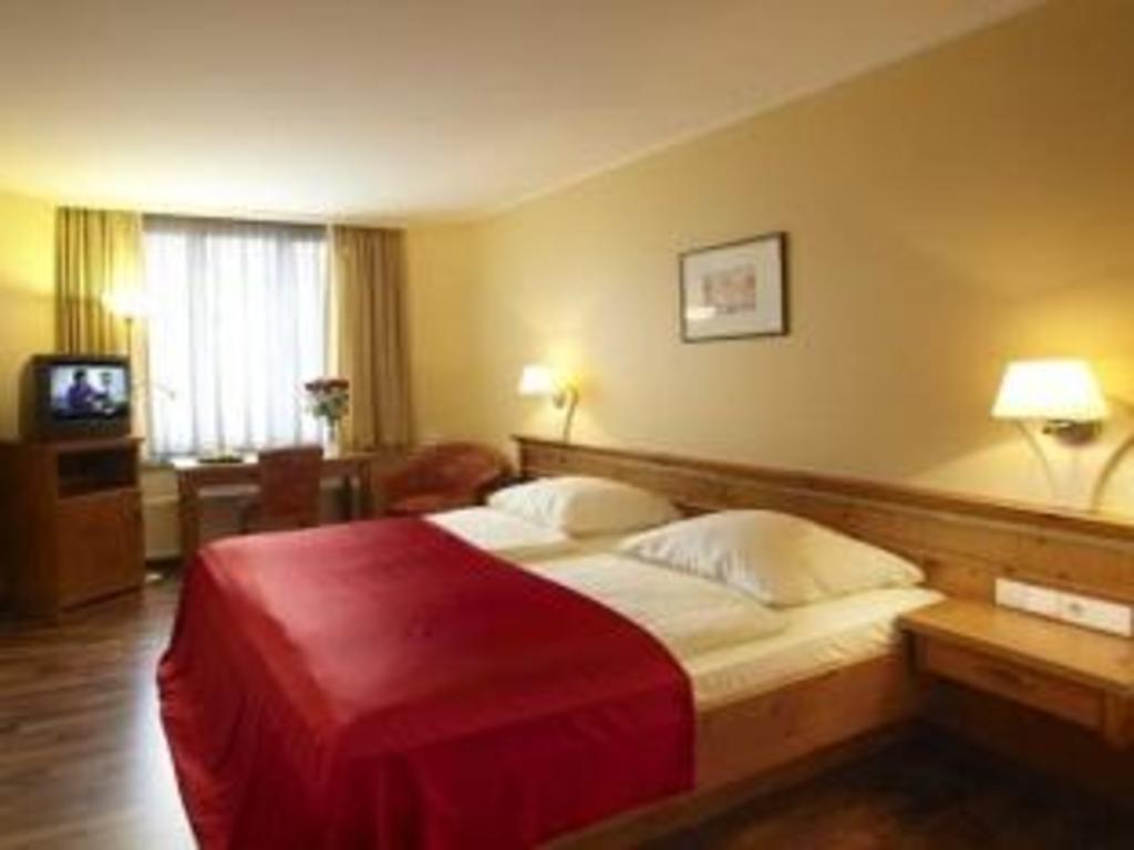 Das Hotel Gasthof Zur Post In München Buchen