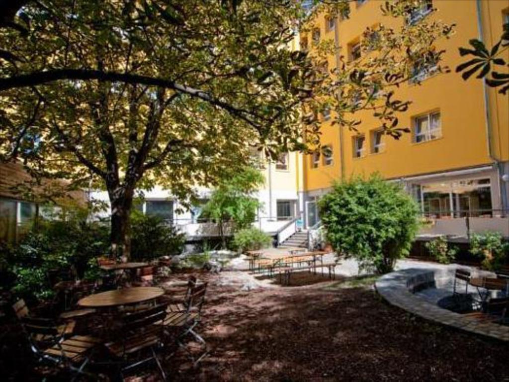 Haus International Hostel in Munich Room Deals s