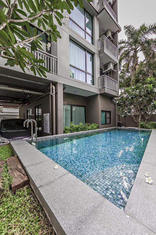 Swimming pool [outdoor] Like Sukhumvit 22