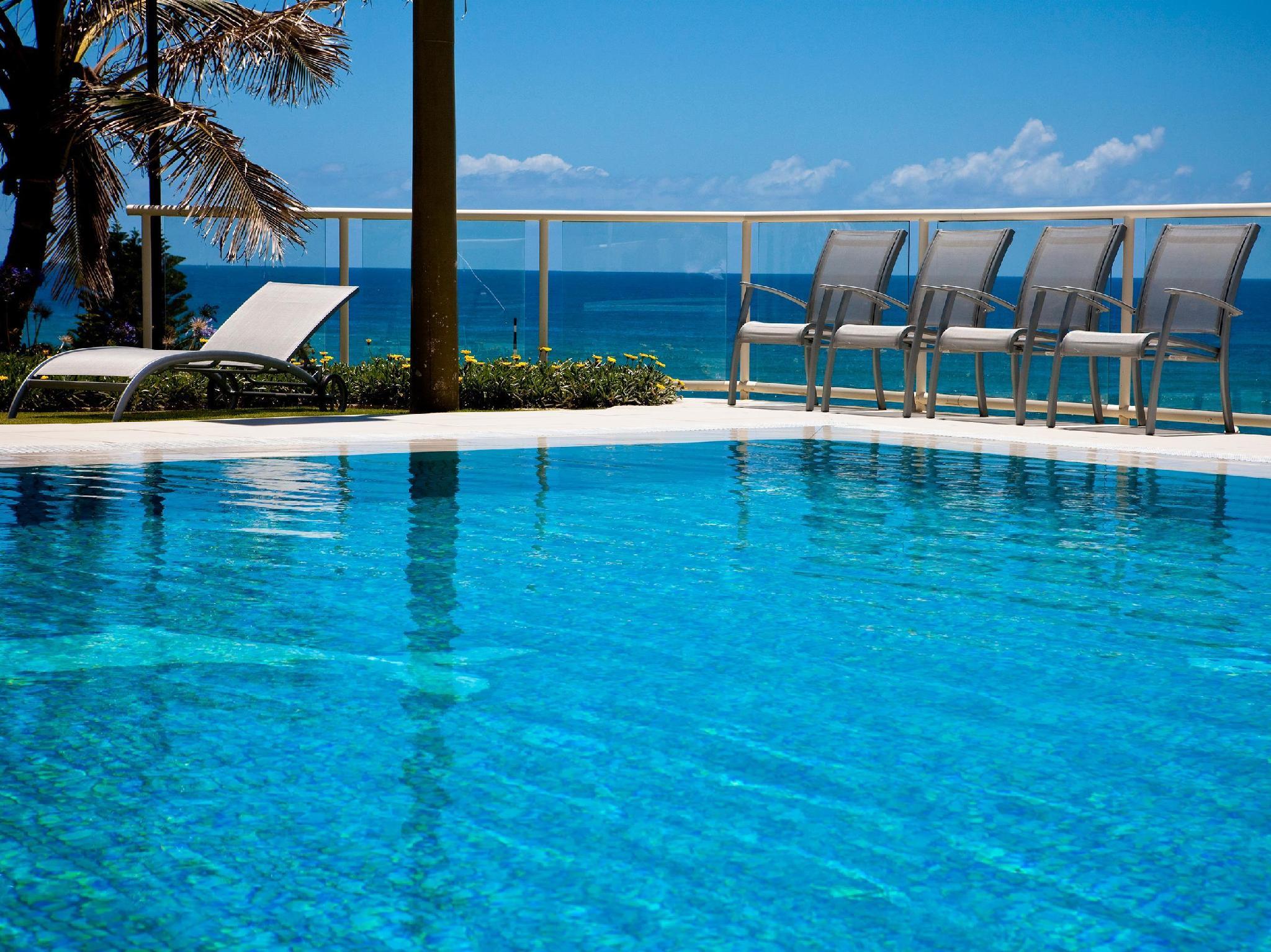 Swimming Pool Paradise Centre Apartments