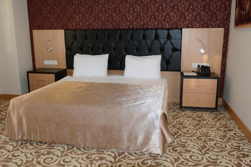 Single Room - 1 Double Bed