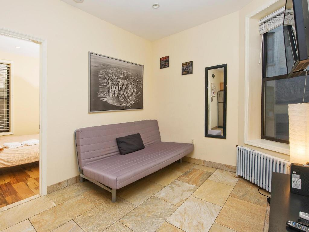 Cozy Two Bedroom Apartment Near Times Square