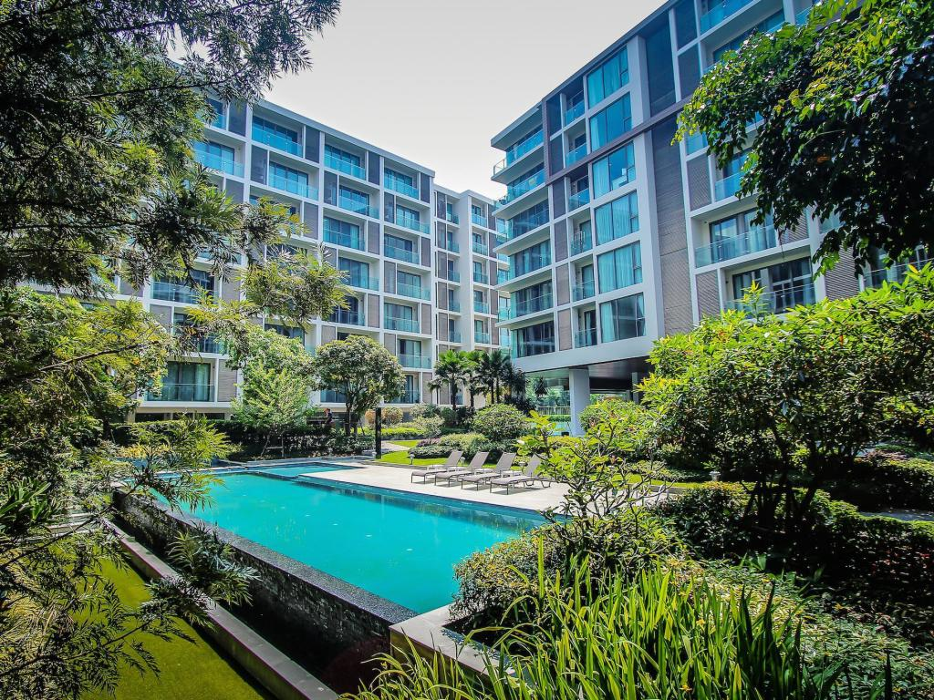 Swimming pool Luxury Condo - Heart of Nimman