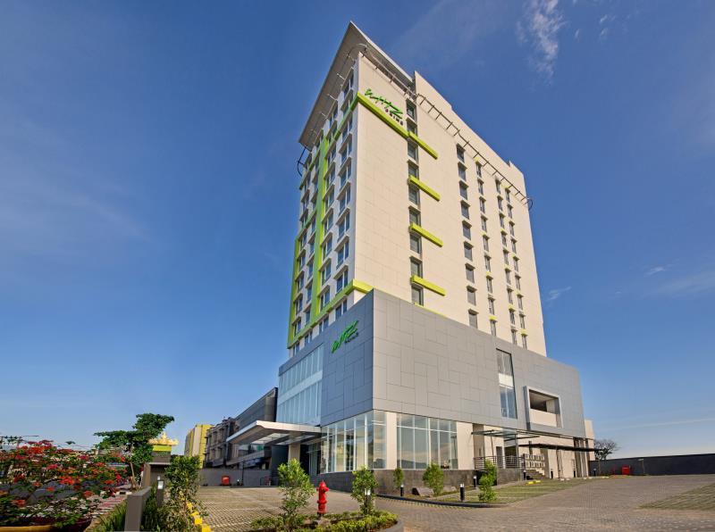 whiz prime hotel ahmad yani lampung in bandar lampung room deals rh agoda com