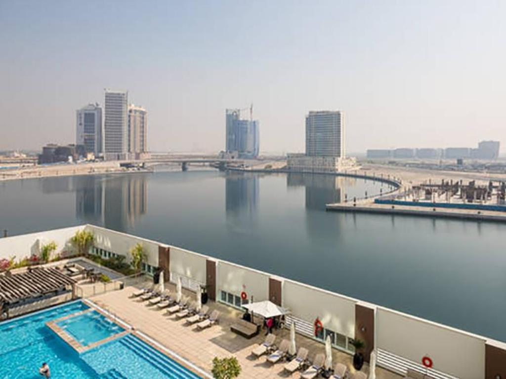 Piscina Rojen Luxury Apartments - Canal View