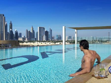 Swimming pool Rojen Luxury Apartments - The Dubai Mall