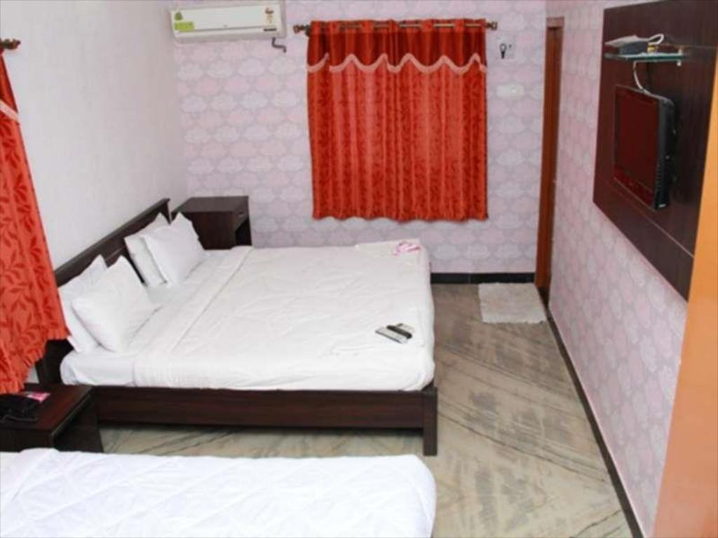 Economy Room with Air Conditioning Hotel Vaani Villa