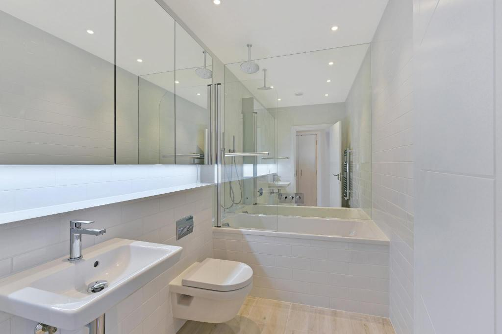 Best Price on Regents Park One Apartments in London + Reviews!
