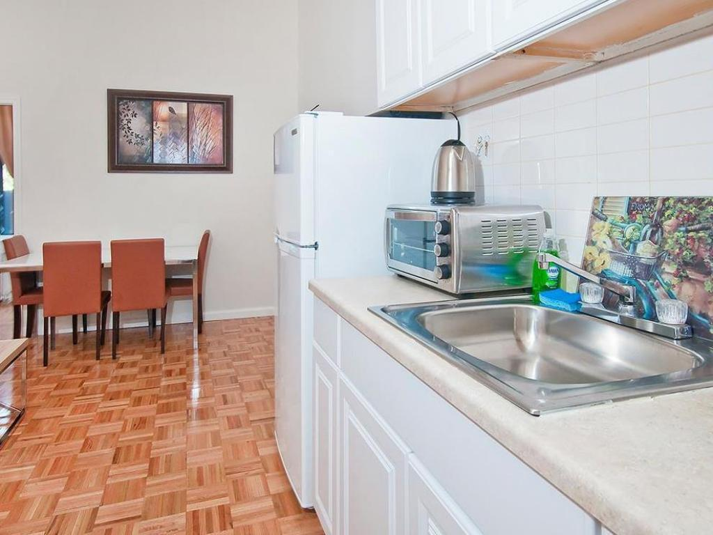Кухня Charming 2 Bedroom Apartment in Gramercy Park