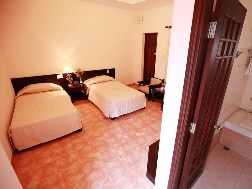 Phòng Deluxe Giường đôi (Deluxe Double Room Only)