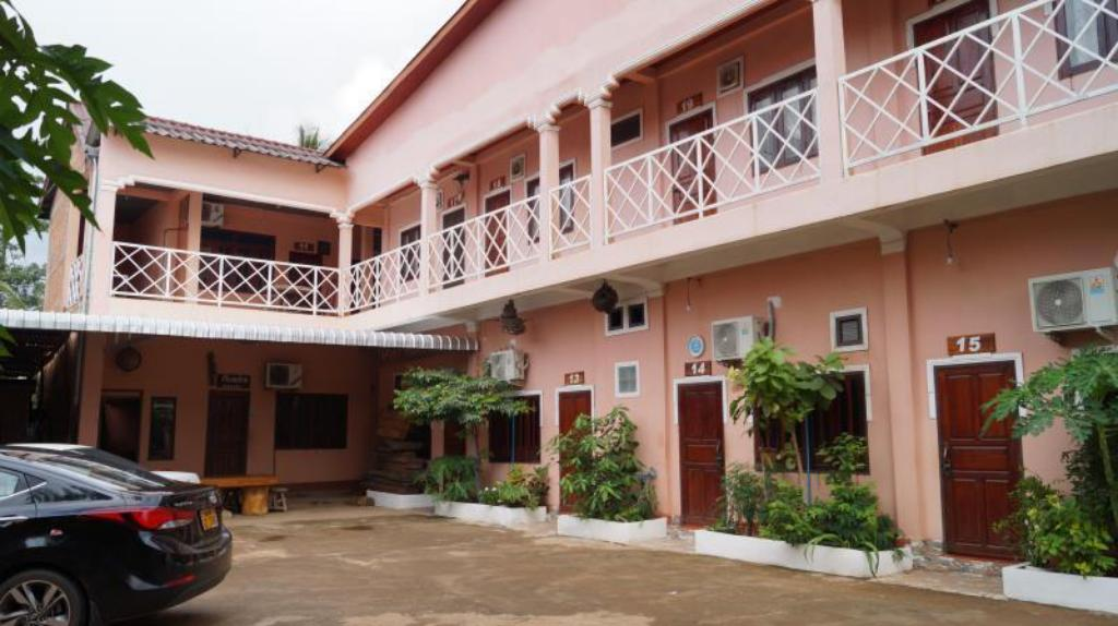 Eingang Donedeang Hotel