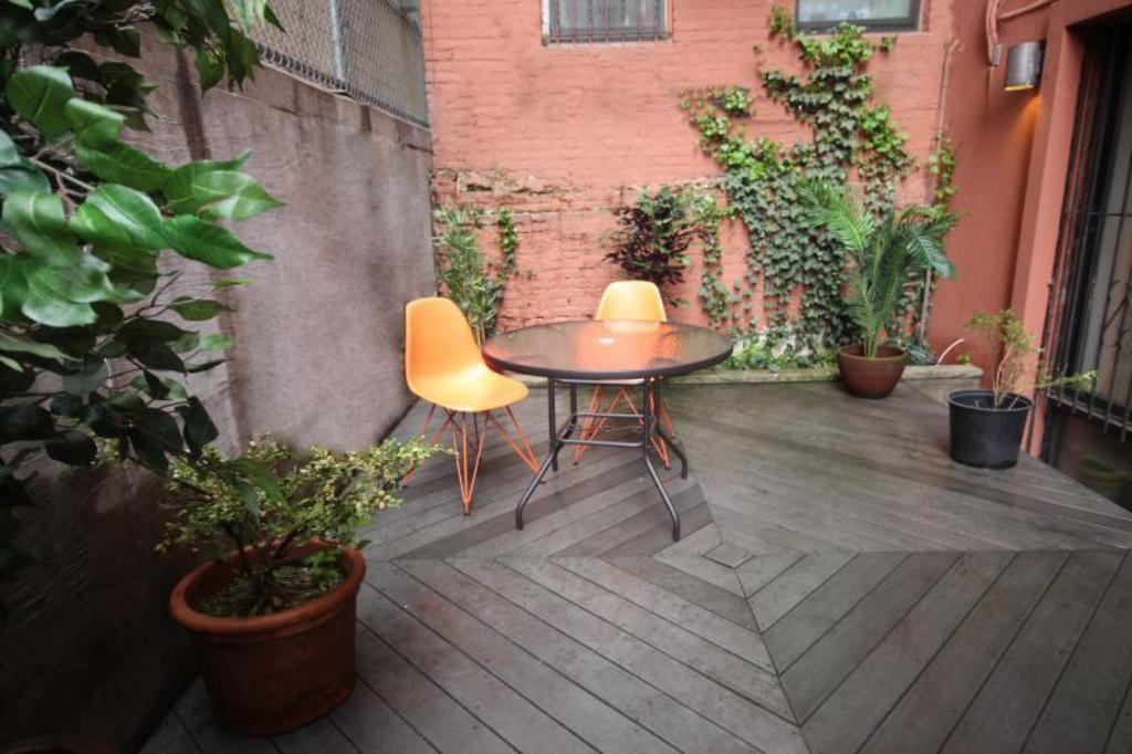 jardim Studio with Courtyard in Midtown West