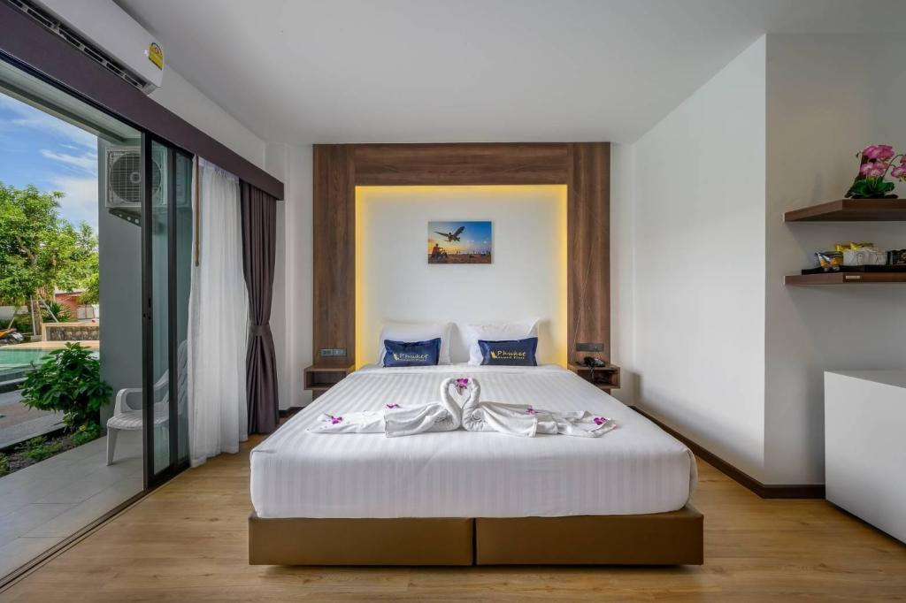 Deluxe Double - 1 King Bed - Bed Phuket Airport Place