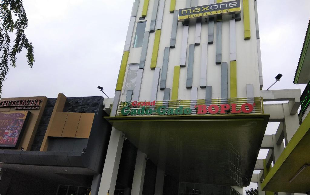 Maxonehotel At Kramat Jakarta Offers Free Cancellation 2021 Price Lists Reviews