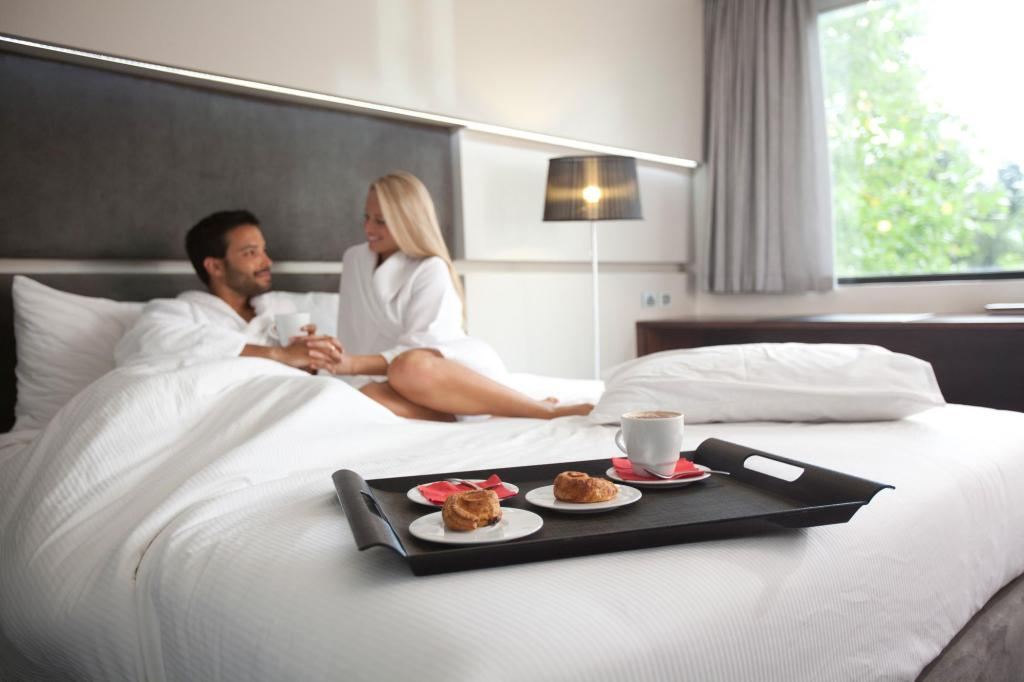 Superior King - Bed Rydges on Swanston Hotel