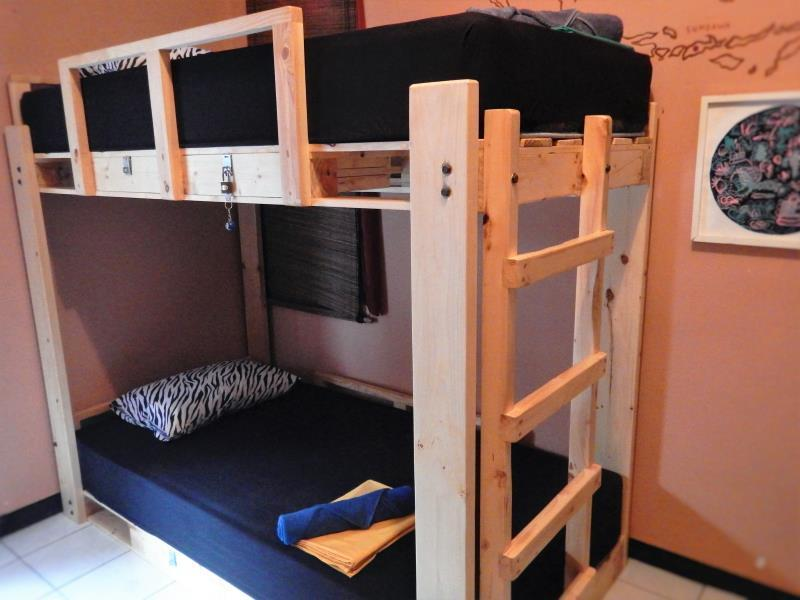 Dormitory 6-Bed Air Conditioning