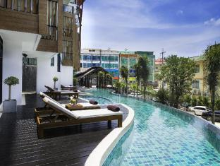The Lunar Patong Hotel