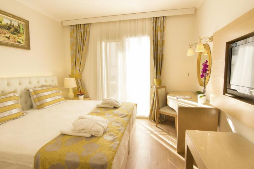 King 1 Bed Room Executive Suite