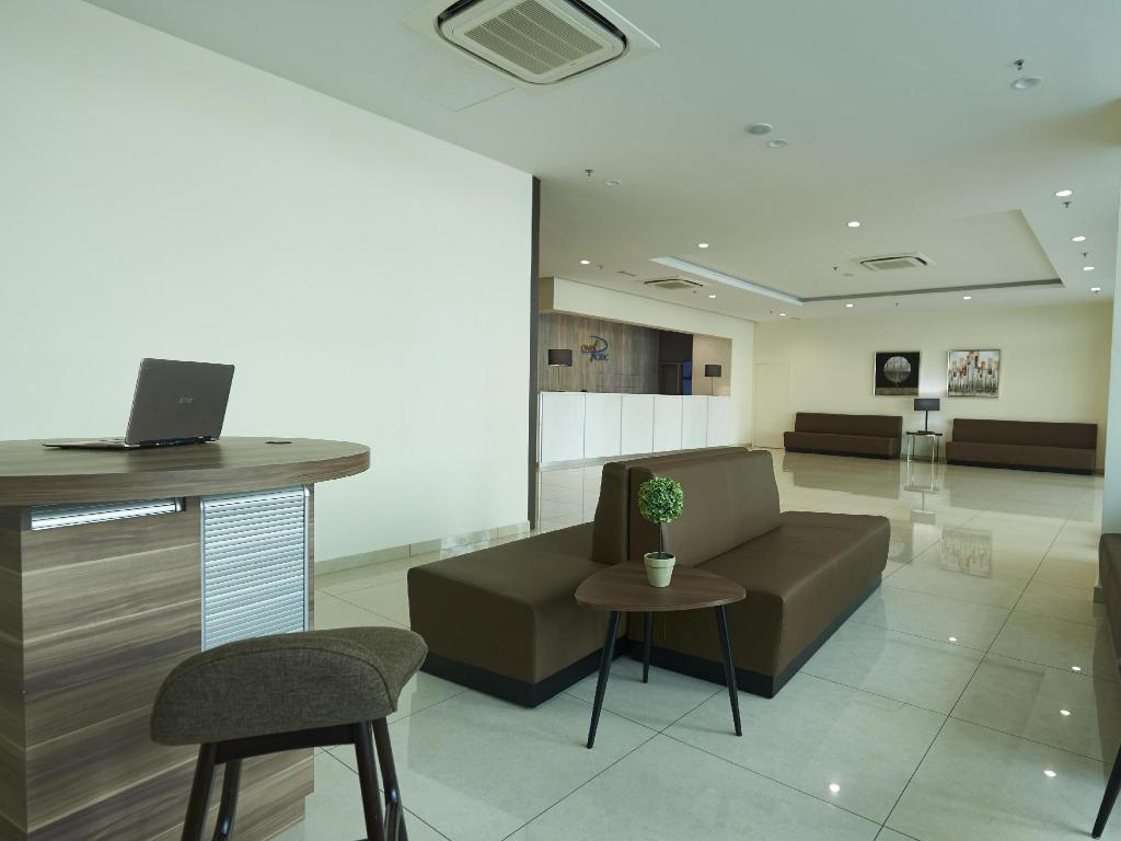 Foyer One Pacific Hotel & Serviced Apartments