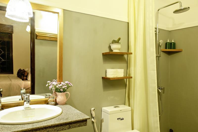 Quarto Twin com varanda/casa de banho privada (Twin room with  balcony/private ensuite)