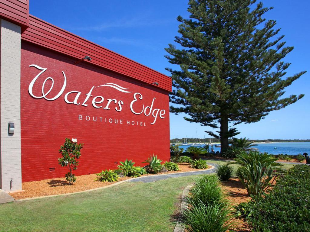 Eksterijer hotela Waters Edge Port Macquarie Hotel