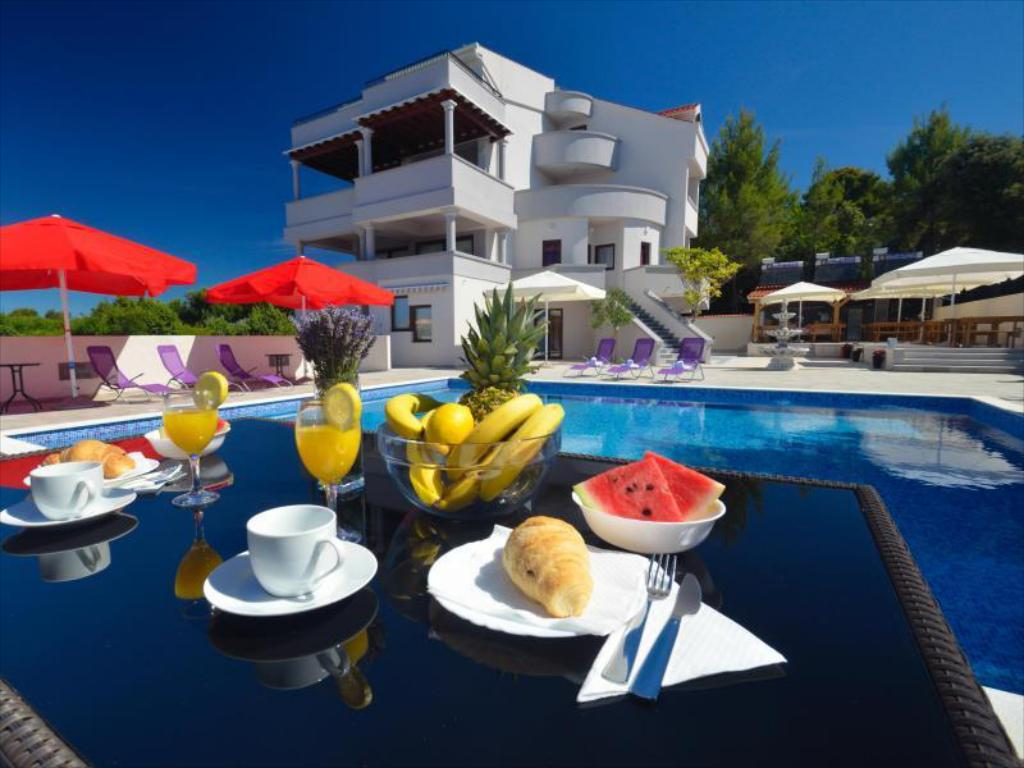 More about Aparthotel Villa Plat