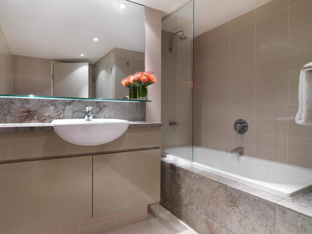 Best Price on Adina Apartment Hotel Sydney Darling Harbour ...