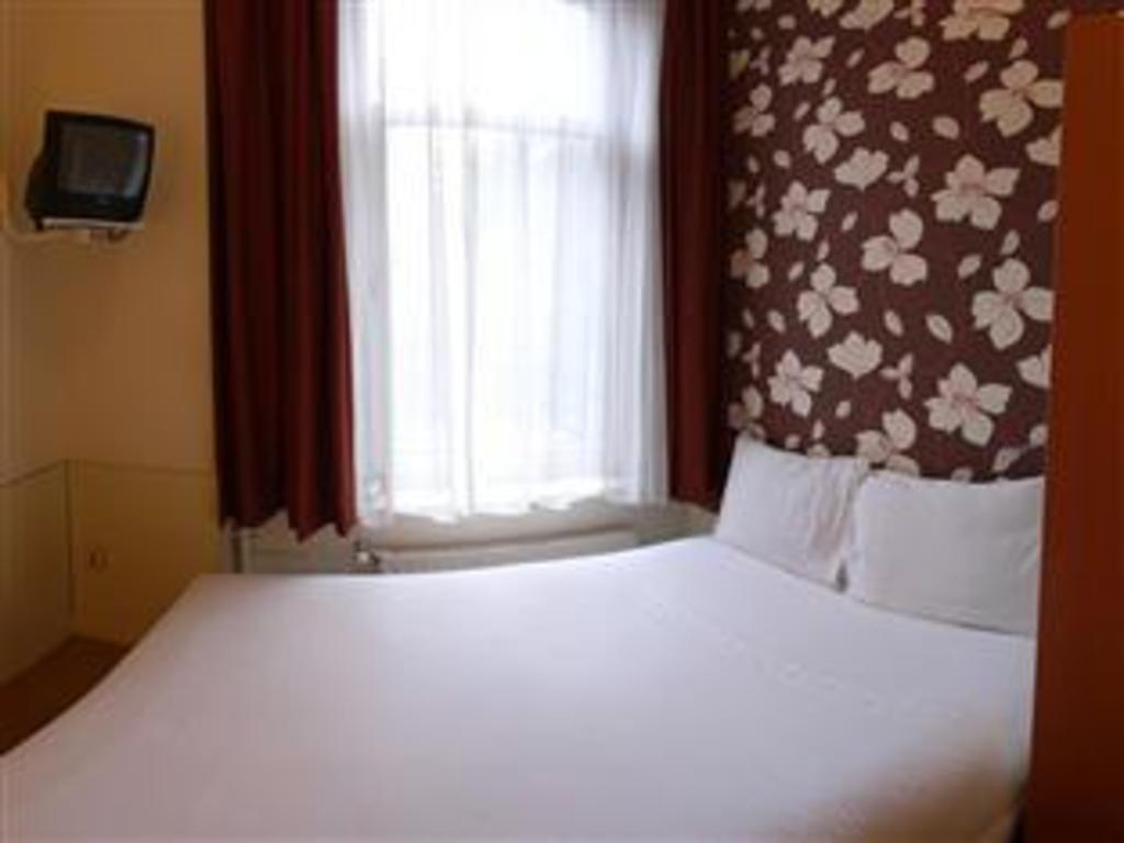 Room photo 16010516 from Aadam Hotel Wilhelmina in Amsterdam
