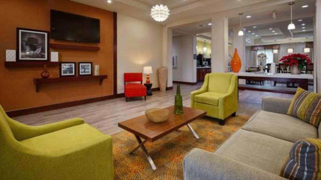 Vestíbulo Best Western Plus Spring Inn & Suites