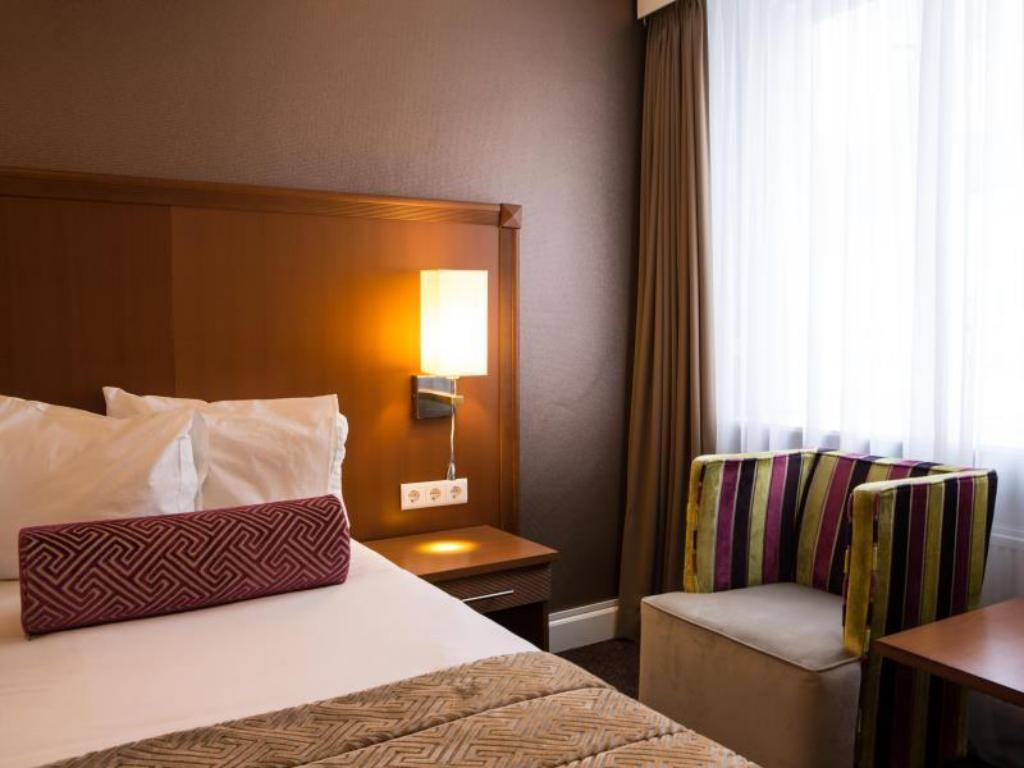 Double or Twin Room - Bed Hotel Amstelzicht