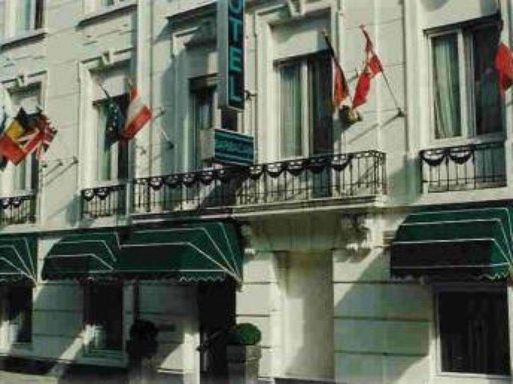Best Price On Budget Hotel Barbacan In Amsterdam Reviews