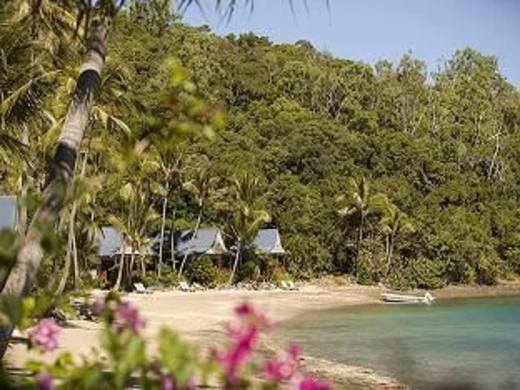Palm Bay Resort in Whitsunday Islands - Room Deals, Photos