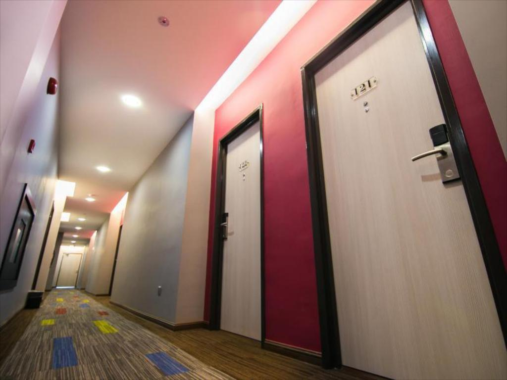Hotellet indefra Indra Hotel - Boutique Suites