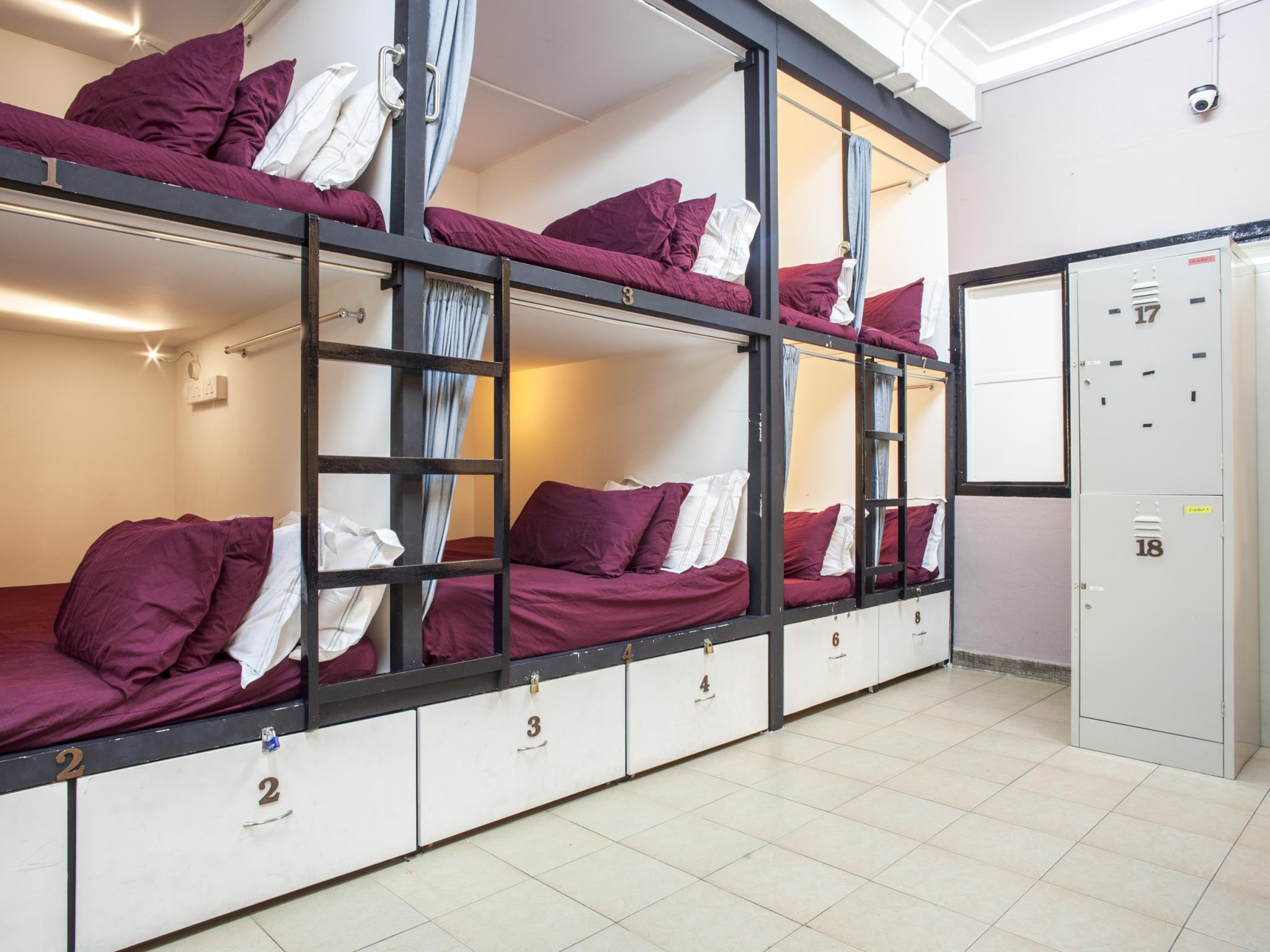 Capsule Bed in Mixed Dormitory Room