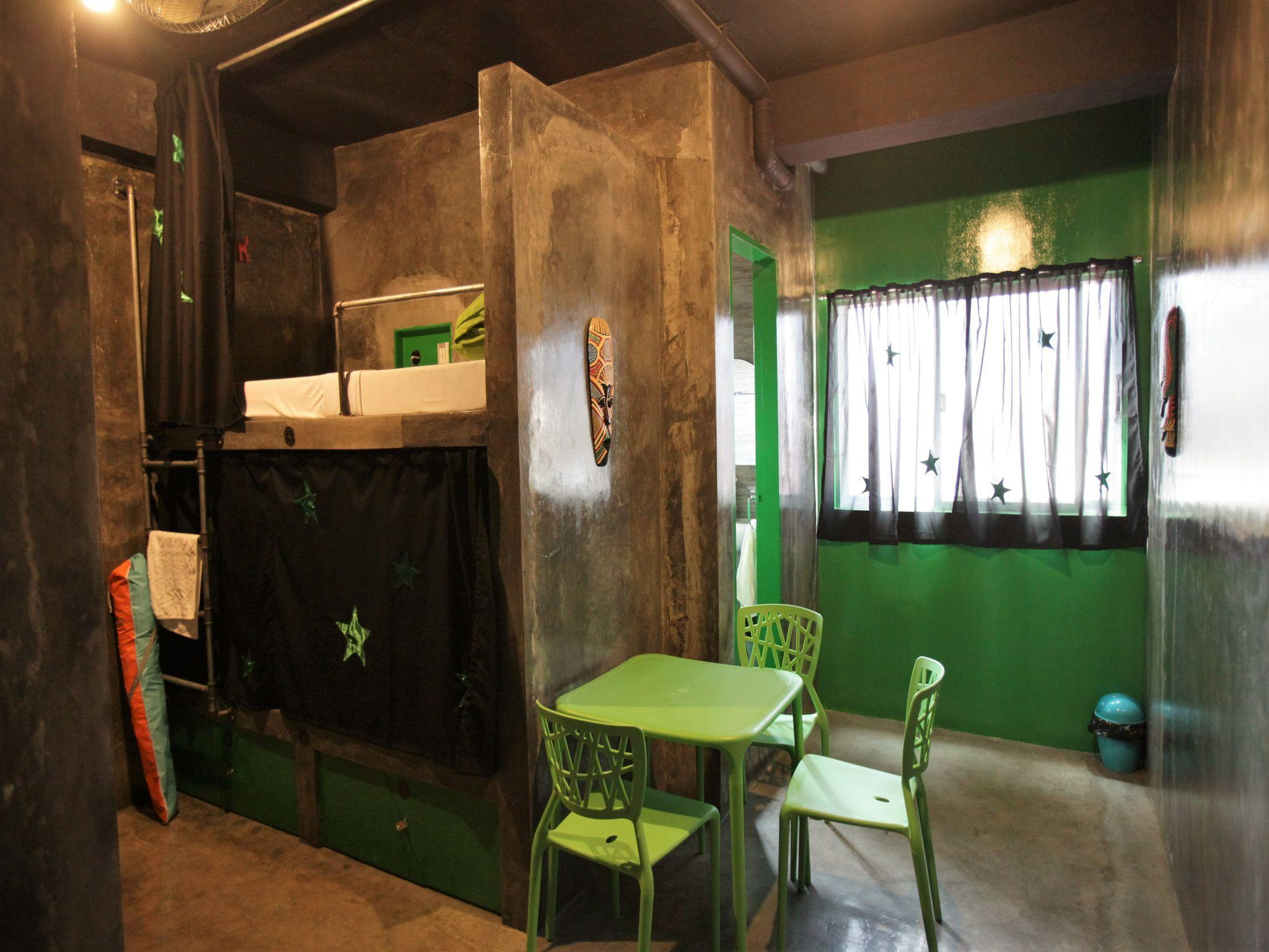 1 Bed in 4-Bed Dormitory with Private Bathroom (Mixed)
