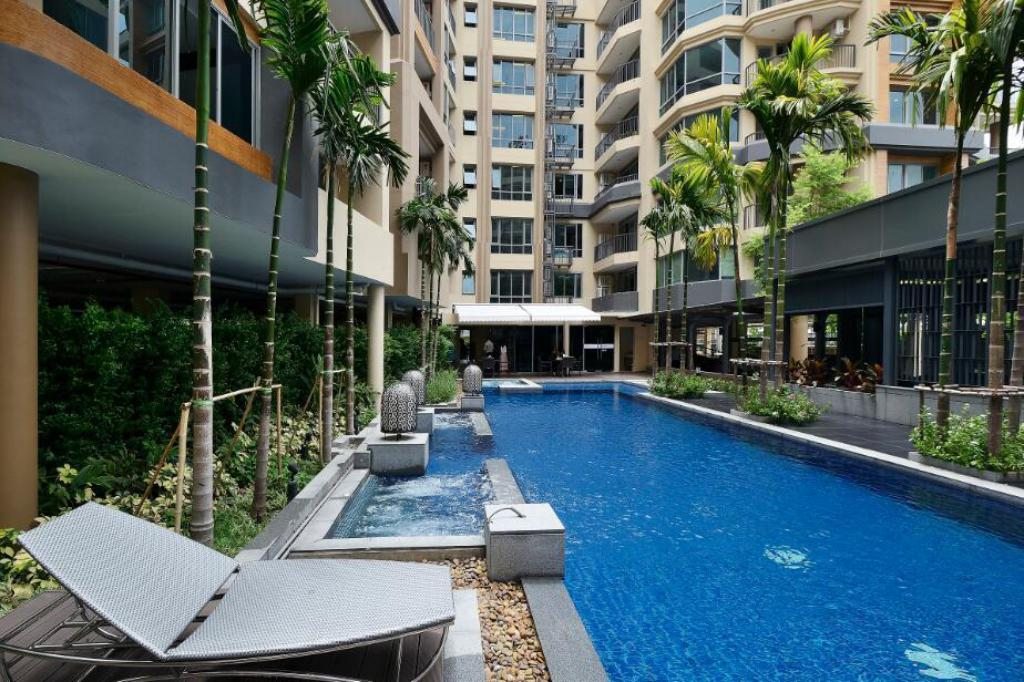 Swimming pool Roomme Hospitality Nang Linchee